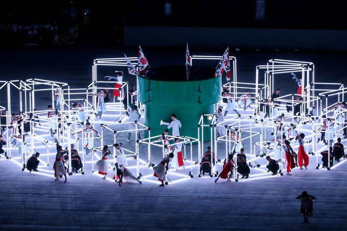 Hình ảnh trong buổi lễ giới thiệu của chủ nhà Olympic 2020
