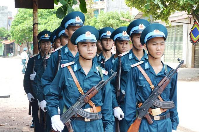 Linh cữu phi công Trần Quang Khải đã về tới quê nhà