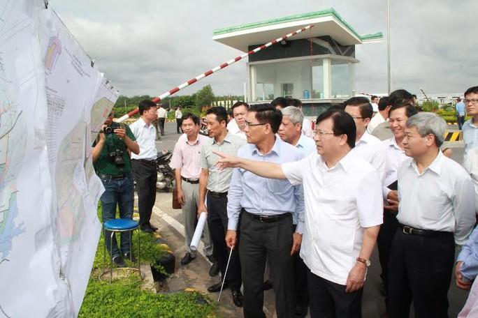 Phó Thủ tướng Trịnh Đình dũng cùng đoàn công tác thi sát khu vực sân bay Long Thành
