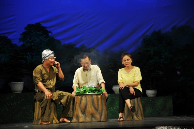 NS Lê Giang trên sân khấu rạp Công Nhân
