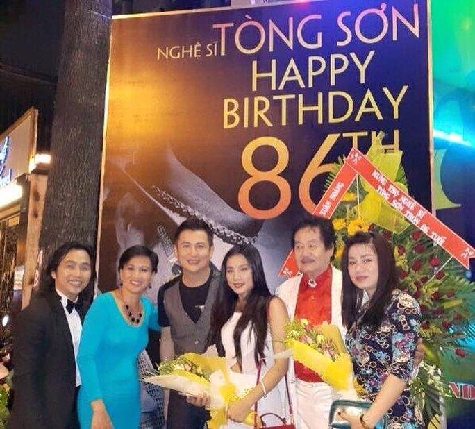Nghệ sĩ Tòng Sơn trong ngày sinh nhật lần thứ 86