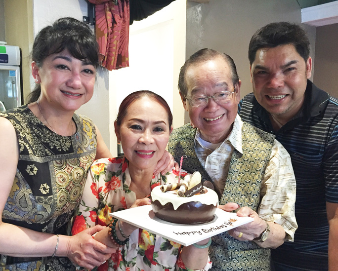 NSƯT Ngọc Đáng, Thanh Thanh Tâm, NS Văn Chung và Tuấn Châu trong ngày sinh nhật của NSƯT Ngọc Đáng