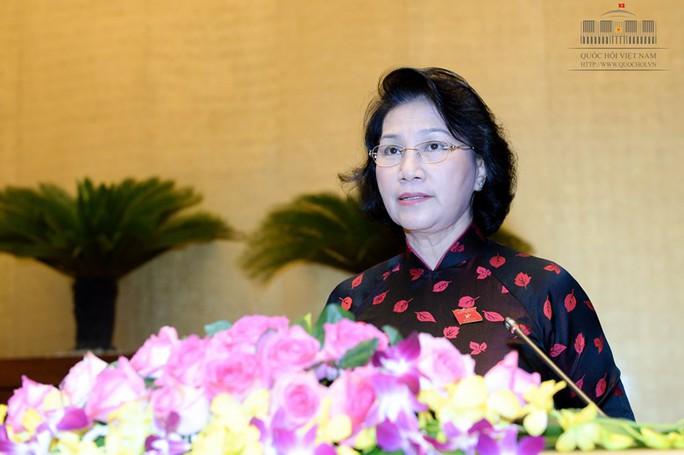 """Chủ tịch QH Nguyễn Thị Kim Ngân """"bật mí"""" về thói quen mặc áo dài"""