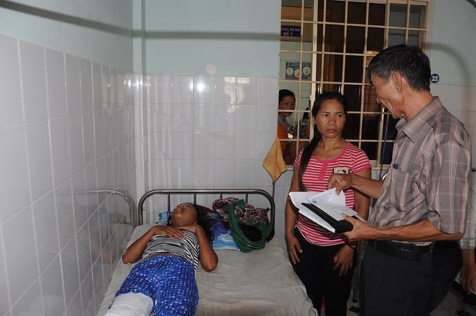 Ban An toàn giao thông tỉnh Kon Tum chia sẻ, hỗ trợ gia đình các nạn nhân