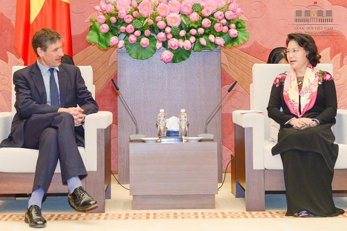 Chủ tịch QH tiếp Đại sứ Anh tại Việt Nam Giles Lever