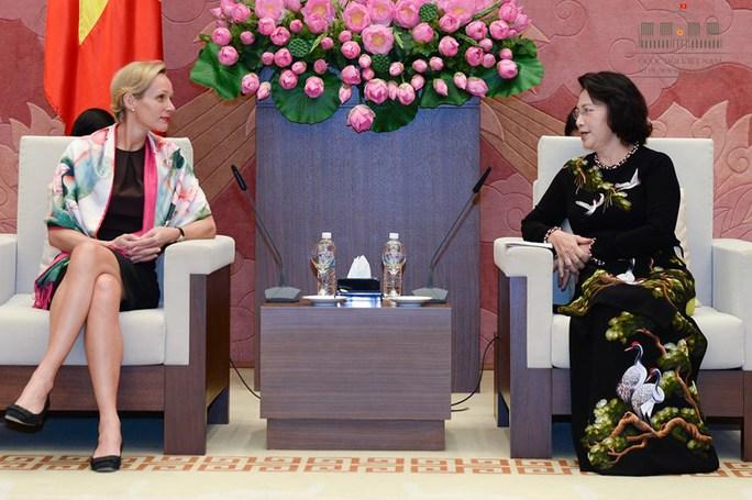 Chủ tịch QH Nguyễn Thị Kim Ngân tiếp Đại sứ Thụy Điển tại Việt Nam Camilla Mellander