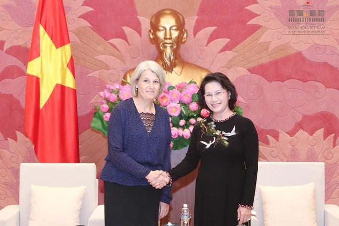 Chủ tịch QH Kim Ngân và Đại sứ Đan Mạch Charlotte Laursen