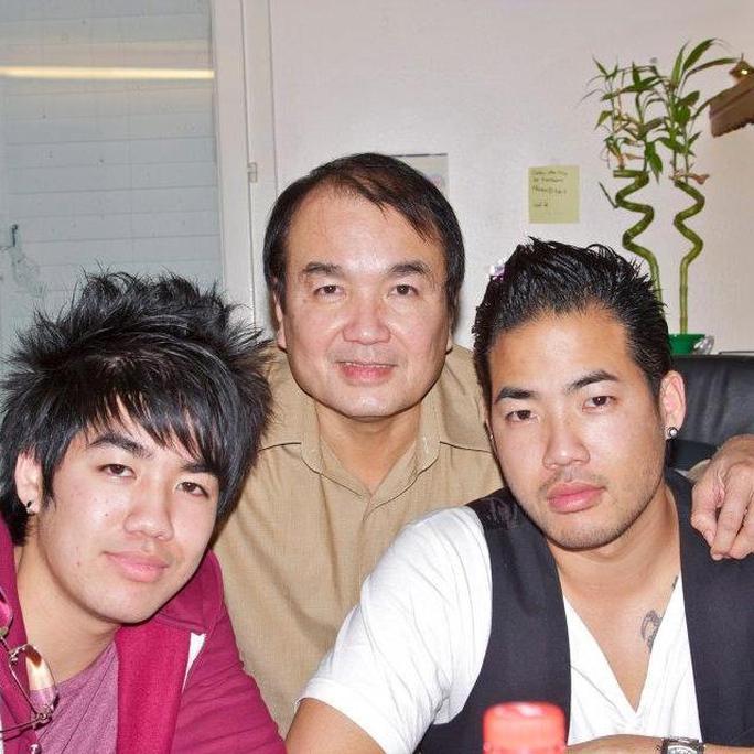 NS Minh Tâm và hai con trai