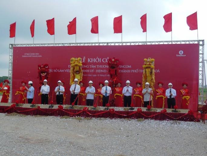 Lãnh đạo tỉnh Thanh Hóa và Tập đoàn Vingroup tổ chức cắt băng động thổ xây dựng dự án Trung tâm hành chính TP Thanh Hóa sáng ngày 10-5
