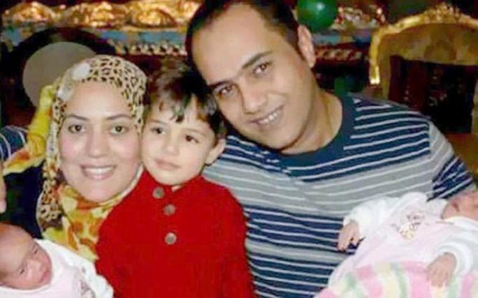 Gia đình Ahmed Ashery. Ảnh: Telegraph