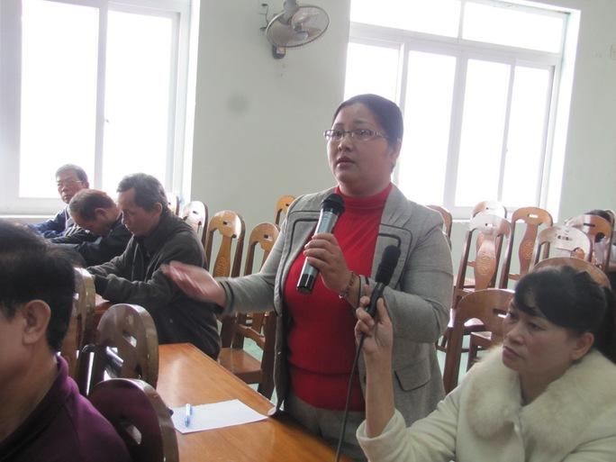 Bà Hồ Thị Thanh Minh, đại diện phụ huynh trường tiểu học Võ Thị Sáu, lo lắng