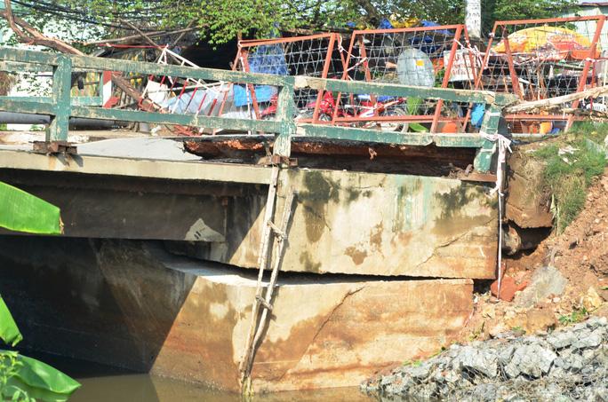 Hiện giao thông qua cầu Tân kỳ Tân Quý bị phong tỏa để đảm bảo an toàn