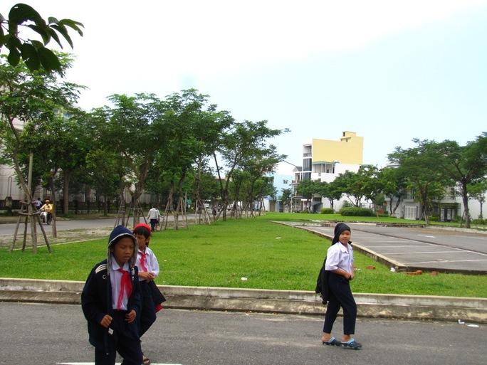 Các em học sinh sẽ không còn chỗ vui chơi ở công viên Thuận Phước này