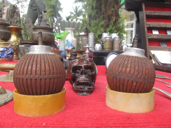 Bom cam chế tác thành đèn dầu