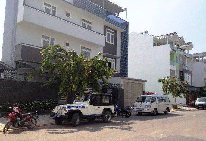 Đến trưa 13-7, lực lượng công an vẫn đang khám nghiệm hiện trường vụ trộm