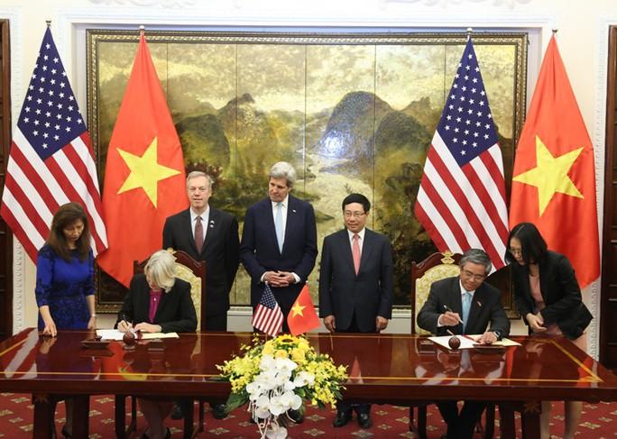 Lễ ký kết thỏa thuận về Chương trình Hoà bình Peace Corps - Ảnh: Lam Phương