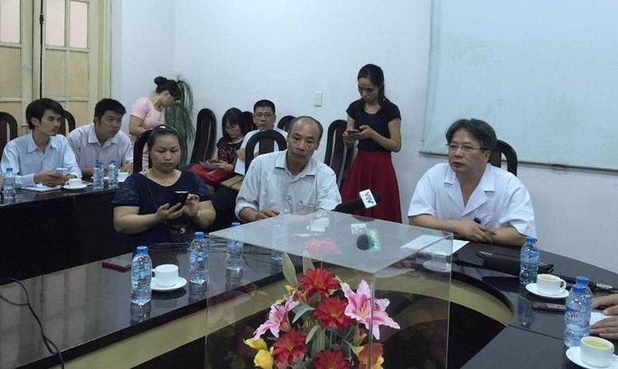Lãnh đạo BV Việt Đức công khai xin lỗi bệnh nhân, gia đình người bệnh