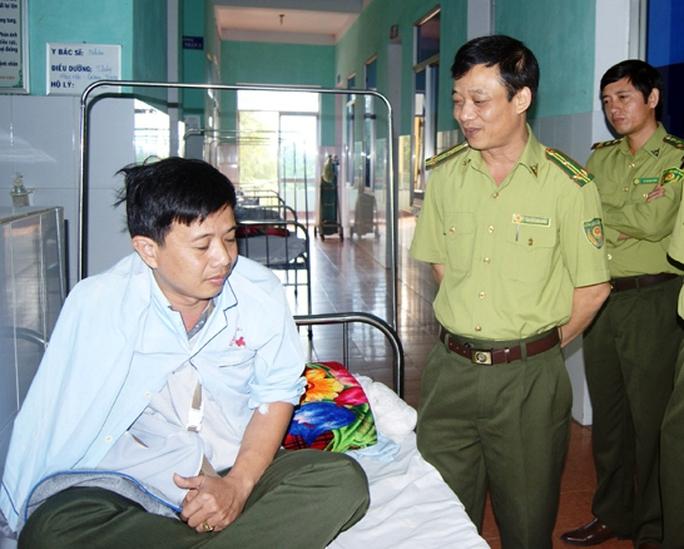 Anh Thủy đang được điều trị tại Bệnh viện Đa khoa Đồng Hới