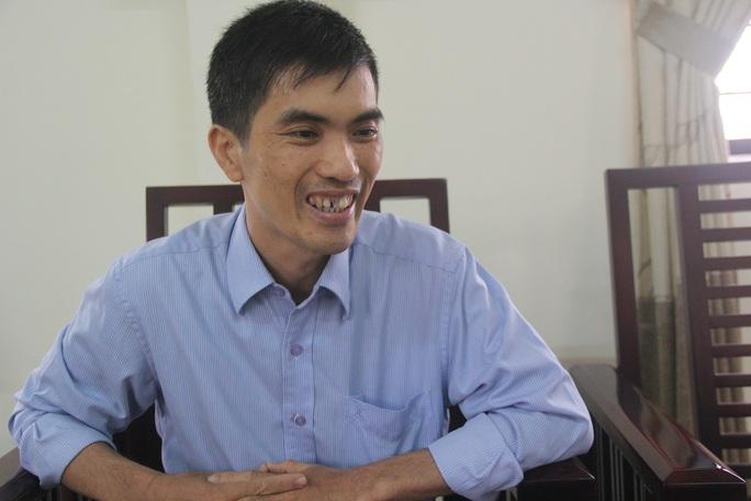 Thầy Phan Công Thành là nhân vật chính trong video