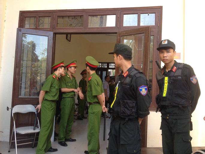 An ninh được thắt chặt tại phiên tòa