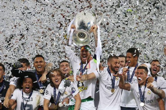 Trong lúc Real Madrid nâng cúp vô địch Champions League thì các CĐV của họ ở Irad bị giết chết