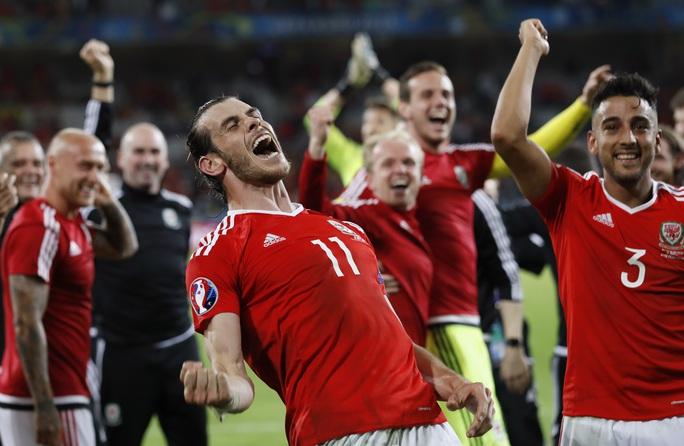 Vào bán kết, Gareth Bale sẽ có dịp chạm trán với Ronaldo, người cùng đá cặp với anh ở hàng công Real Madrid