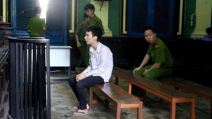 Một bị cáo bị TAND TP HCM tuyên tử hình về tội mua bán trái phép chất ma túy. Ảnh: Hồng Nhung