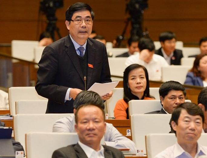 Bộ trưởng Cao Đức Phát phát biểu vào chiều 1-4 tại Quốc hội về vấn đề an toàn thực phẩmẢnh: Văn Bình