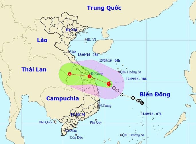 Vị trí và dự báo đường đi của bão số 4-Nguồn: Trung tâm dự báo khí tượng thủy văn Trung ương