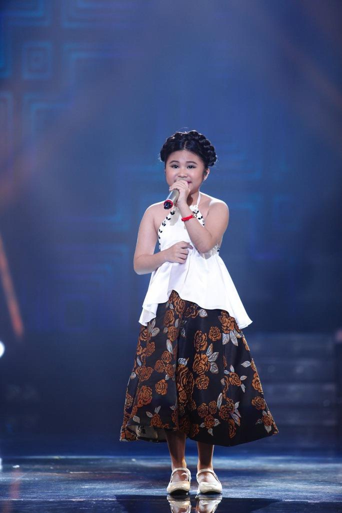 Bảo Trân trình diễn trong đêm Gala 5