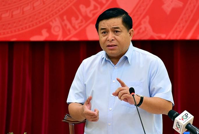 Bộ trưởng KH-ĐT Nguyễn Chí Dũng cho biết trung bình mỗi tuần có 40 cuộc họp, tối thiểu 30 cuộc