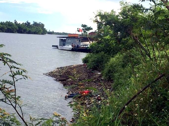 Thi thể người phụ nữ được phát hiện bên bờ sống Hiếu, gần cầu Đông Hà