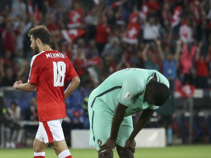 William Carvalho thất vọng khi Bồ Đào Nha thua Thụy Sỹ 0-2 quá dễ dàng