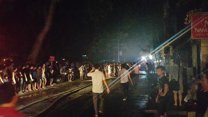 Vụ cháy khiến nhiều người bỏ chạy náo loạn