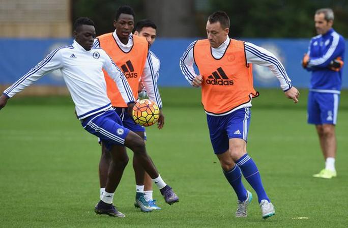 Bertrand Traore tập luyện cùng đội 1 Chelsea
