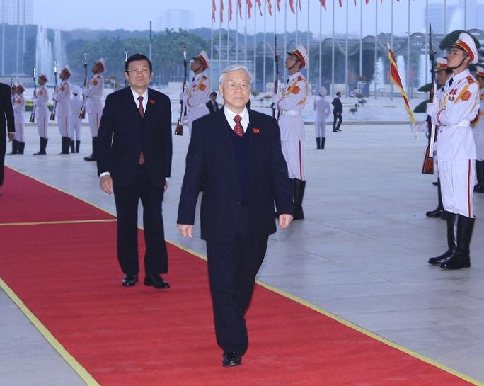 Tổng Bí thư Nguyễn Phú Trọng và Chủ tịch nước Trương Tấn Sang đến Trung tâm Hội nghị Quốc gia Mỹ Đình - Ảnh: TTXVN