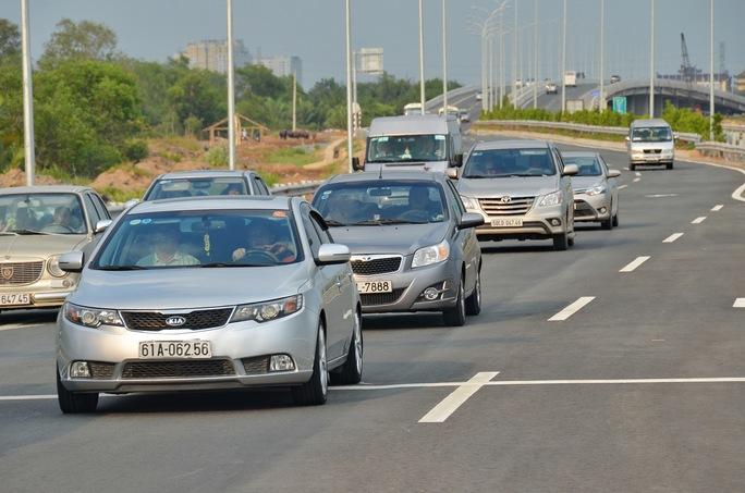Dù có đường cao tốc TP HCM - Long Thành - Dầu Giây nhưng giao thông giữa TP HCM và tỉnh Bà Rịa - Vũng Tàu vẫn thường xảy ra tắc nghẽn Ảnh: Tấn Thạnh