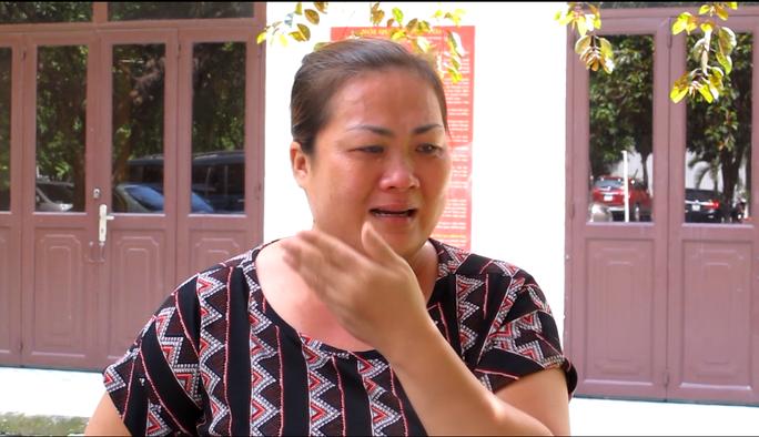 Mai Thị Ngọc Vân bật khóc khi bị tăng án từ 9 tháng lên 4 năm tù