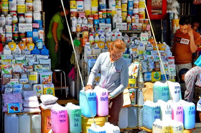 Để chợ hóa chất Kim Biên tồn tại giữa quận 5 - trung tâm TP - là điều khó chấp nhận Ảnh: Tấn Thạnh