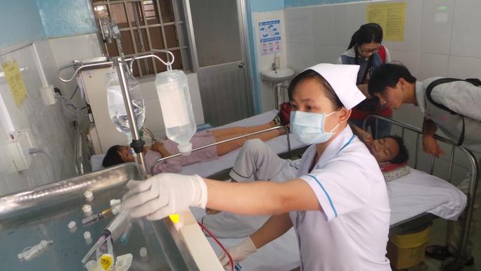Người bệnh chạy thận nhân tạo tại Trạm Y tế phường Bình Chiểu, quận Thủ Đức, TP HCM