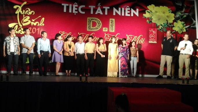 Những lao động làm việc 20 năm được nhận huy hiệu bằng vàng của Công ty TNHH D.I Việt Nam