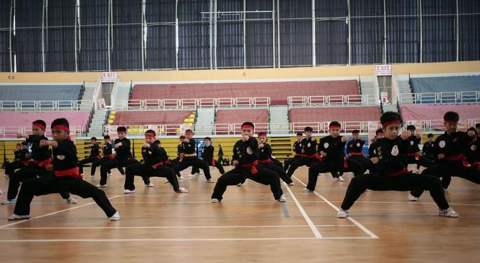 Các võ sĩ nhí TP HCM tập luyện chuẩn bị cho ngày khai mạc