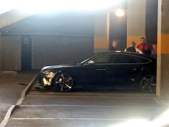 Chiếc Audi A7 của Cech bị hư hỏng phần đầu