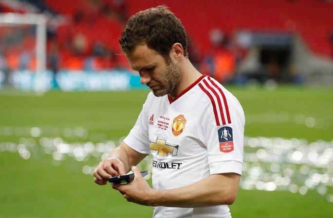 Mata sẽ phải một lần nữa ra đi vì Mourinho?