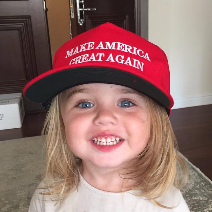 Bức ảnh con trai cả của ông Trump dùng để công kích bà Clinton. Ảnh: Donald Trump Jr.