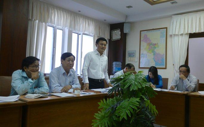 Ông Bùi Xuân Cường-Giám đốc Sở Giao thông Vận tải TP HCM trao đổi với báo chí. Ảnh: Phong Nhi