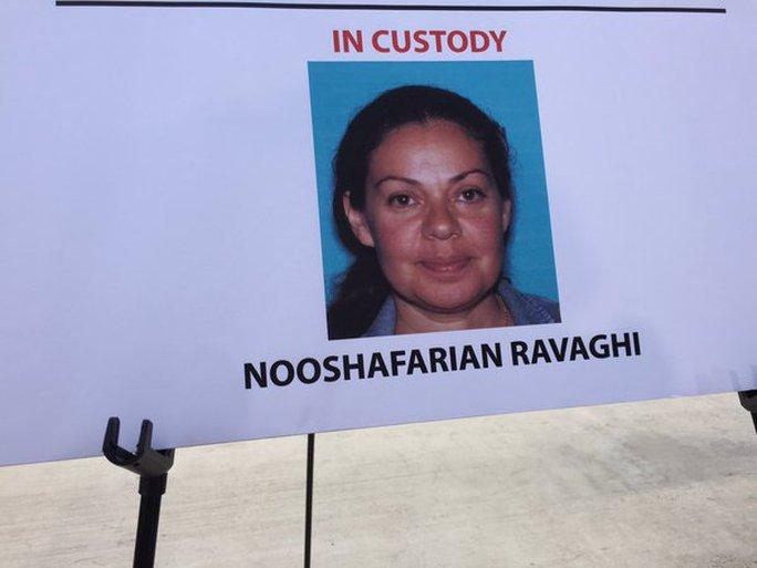 Nữ giáo viên Nooshafarian Ravaghi. Ảnh: Twitter