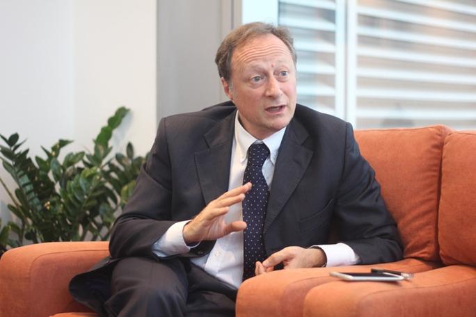 Đại sứ Bruno Angeletđã có một thời gian dài gắn bó với Việt Nam - Ảnh: Dương Ngọc