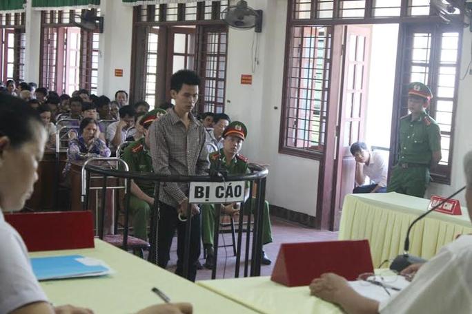 Bị cáo Hoàng Ngọc Hùng tại phiên tòa xét xử ngày 2-6