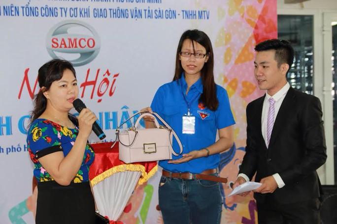 CNVC-LĐ SAMCO tham gia đấu giá gây quỹ giúp công nhân khó khăn
